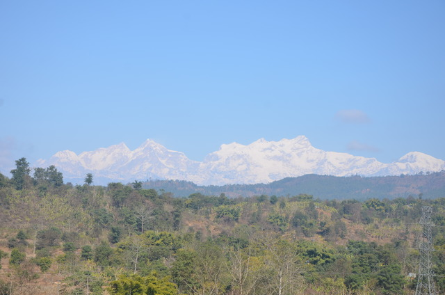 Manaslu (8,163 m), from 67 km distance, from south-southwest (Vyas)